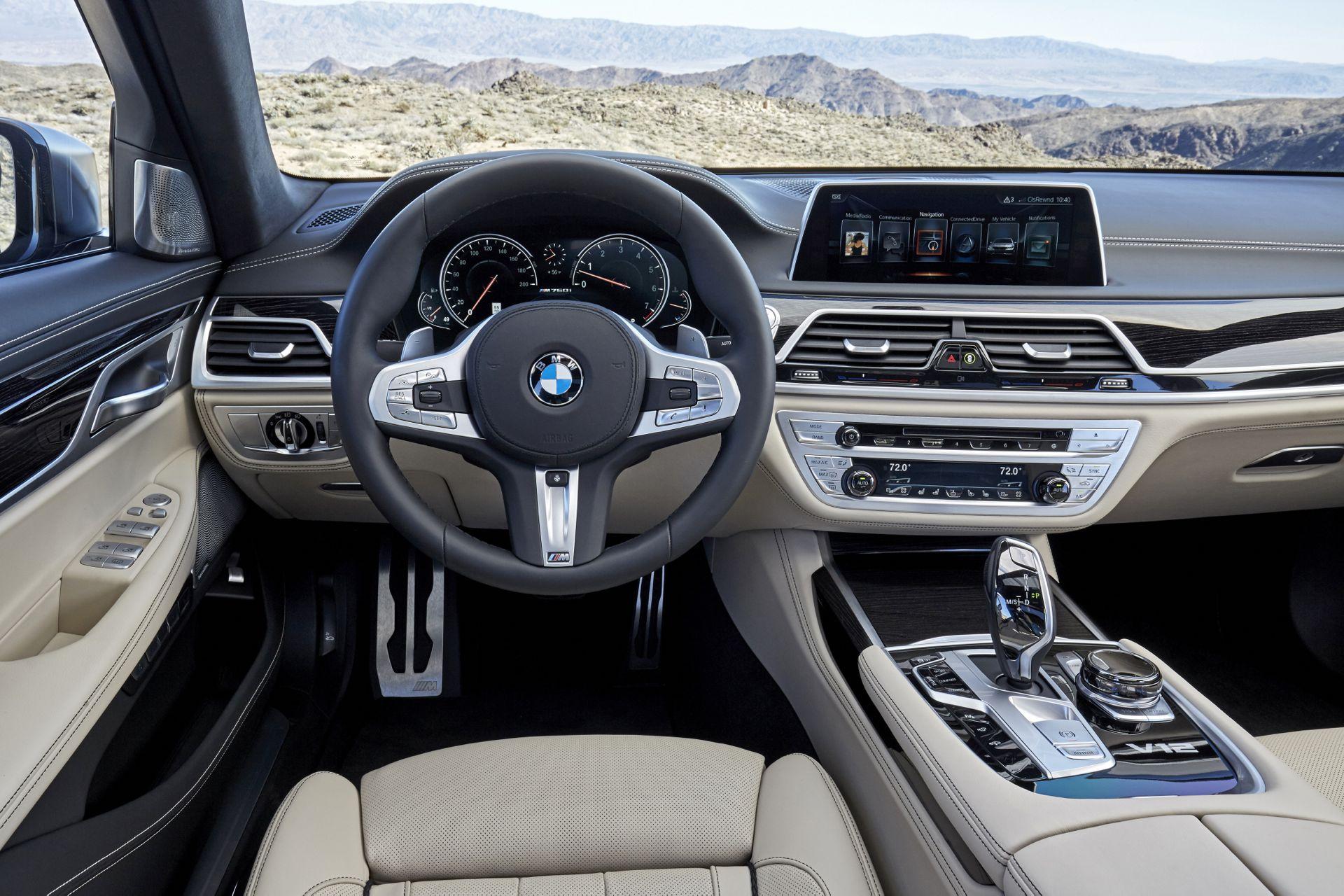 BMW 760Li xDrive Cockpit