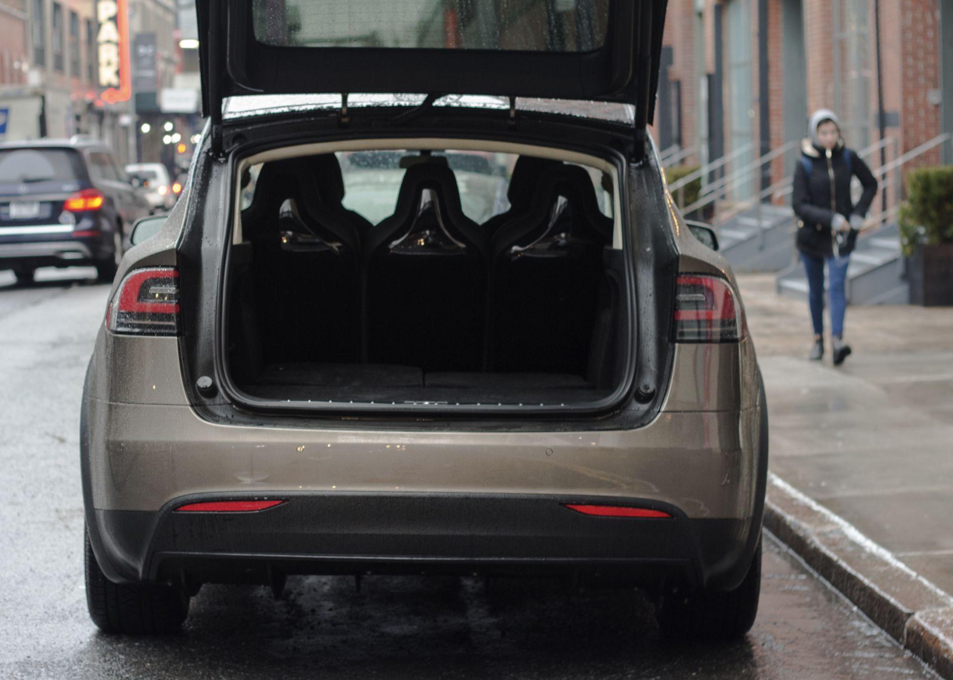 Tesla Model X Kofferraum