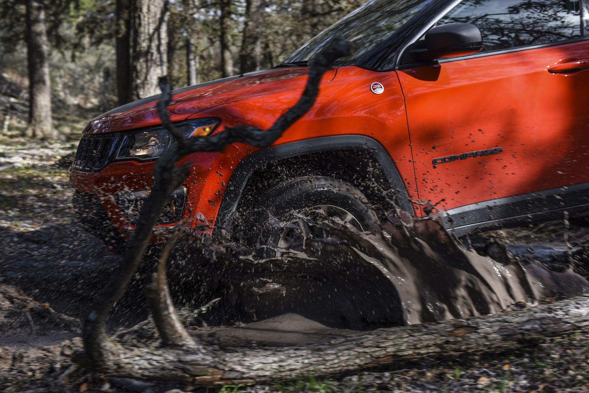Jeep Compass im Gelände