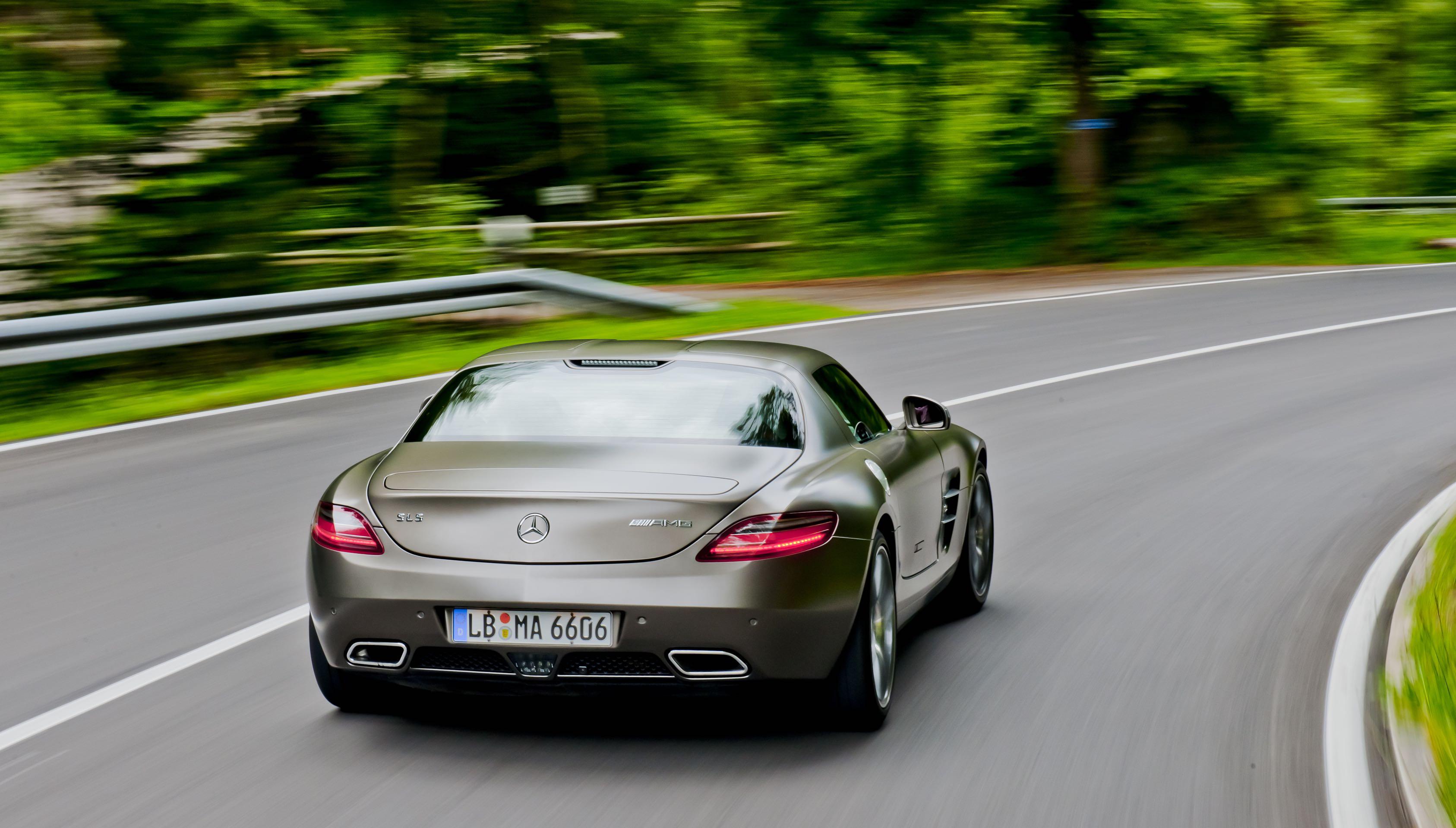 McLaren-Mercedes SLS